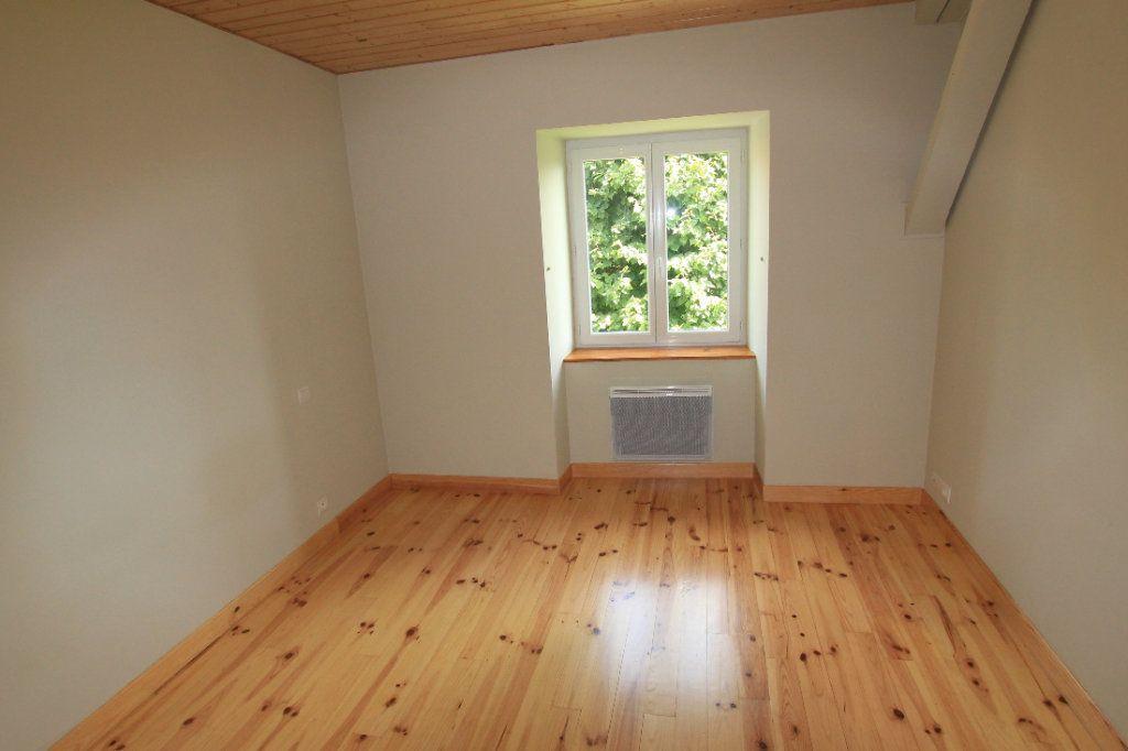 Maison à louer 5 142.92m2 à Saint-Flour vignette-5