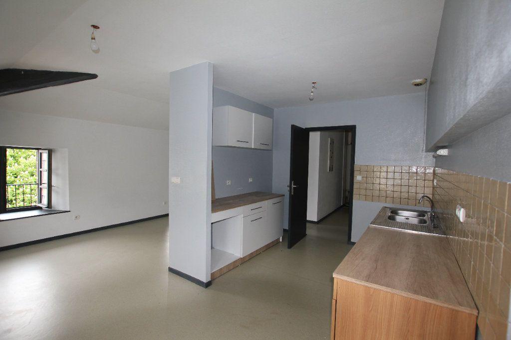 Appartement à louer 2 50.3m2 à Saint-Flour vignette-1