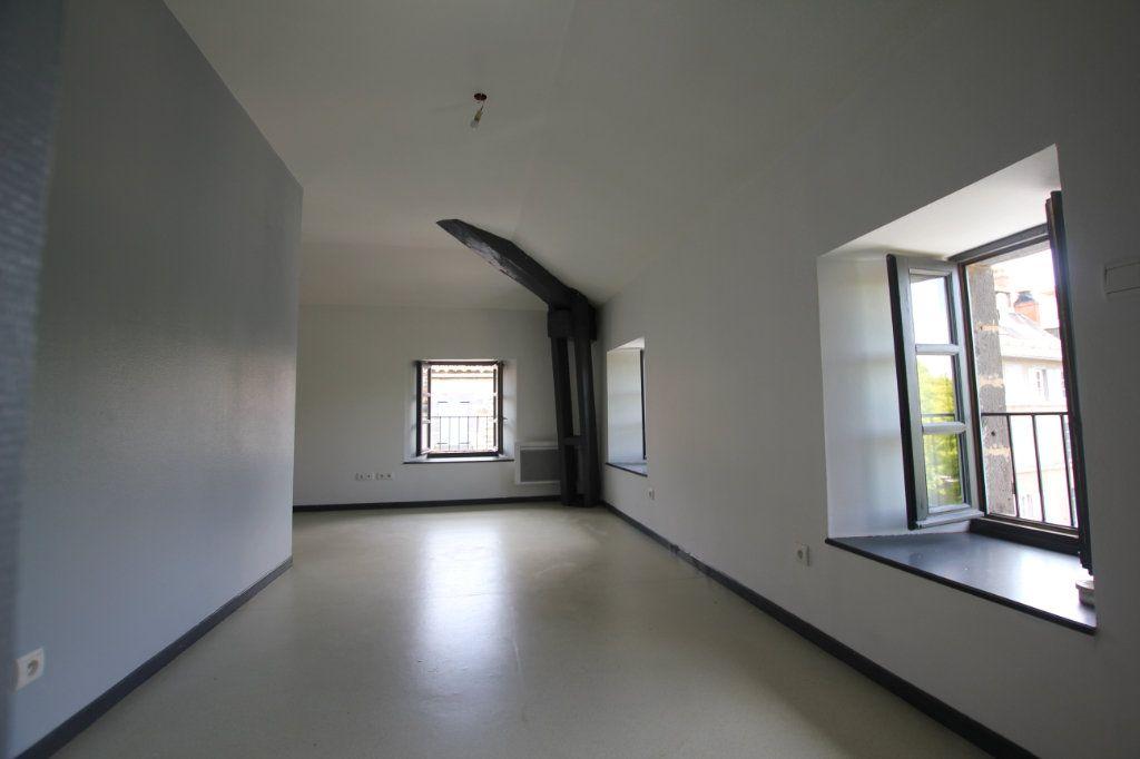 Appartement à louer 2 50.3m2 à Saint-Flour vignette-2