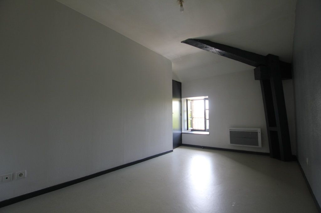 Appartement à louer 2 50.3m2 à Saint-Flour vignette-5
