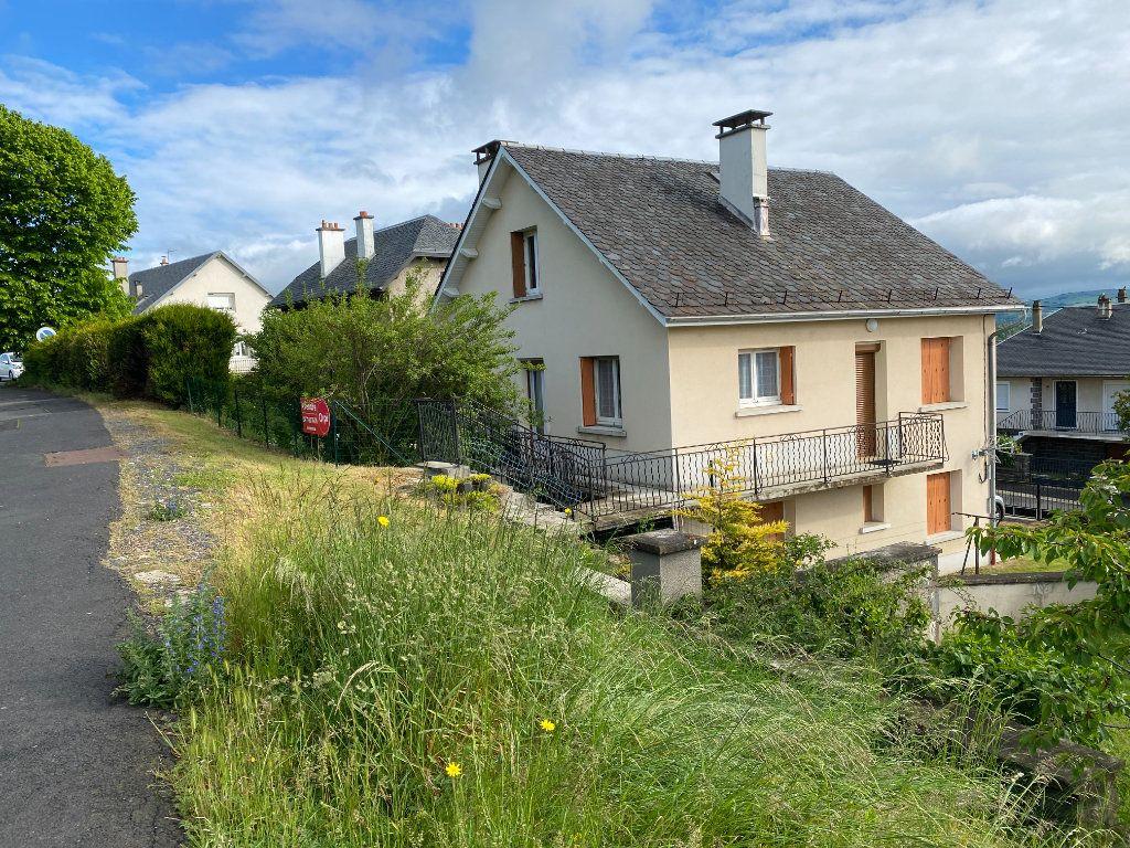 Maison à vendre 7 130m2 à Saint-Flour vignette-1