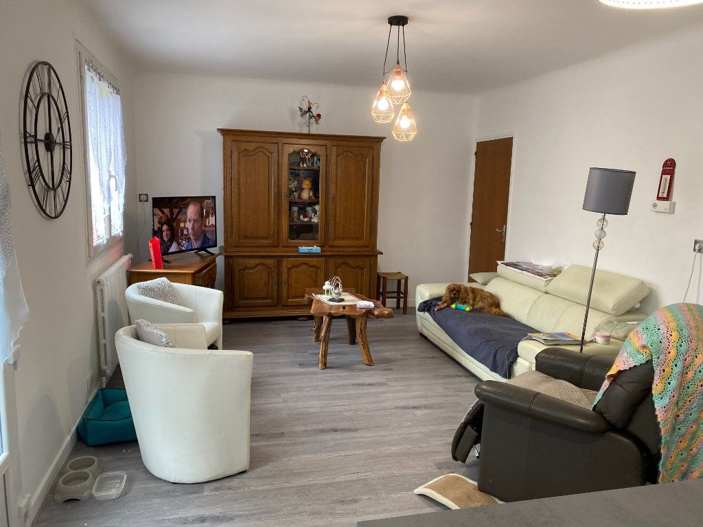 Maison à vendre 7 130m2 à Saint-Flour vignette-4