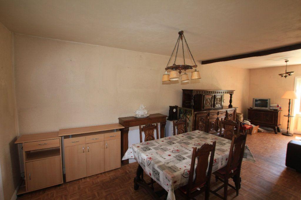 Appartement à vendre 2 44m2 à Saint-Flour vignette-2