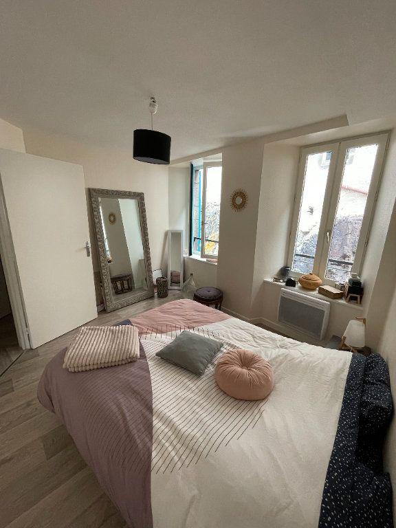 Appartement à louer 3 47m2 à Saint-Flour vignette-2