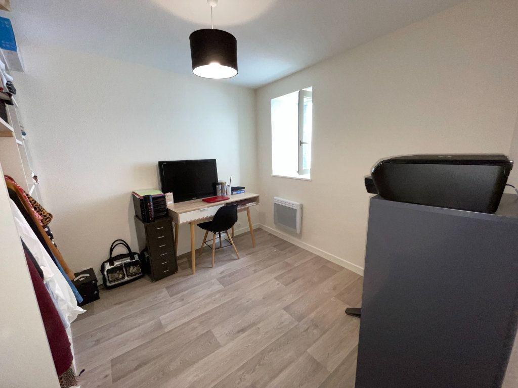 Appartement à louer 3 47m2 à Saint-Flour vignette-6