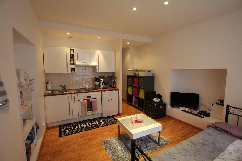 Appartement à louer 1 19.3m2 à Saint-Flour vignette-2