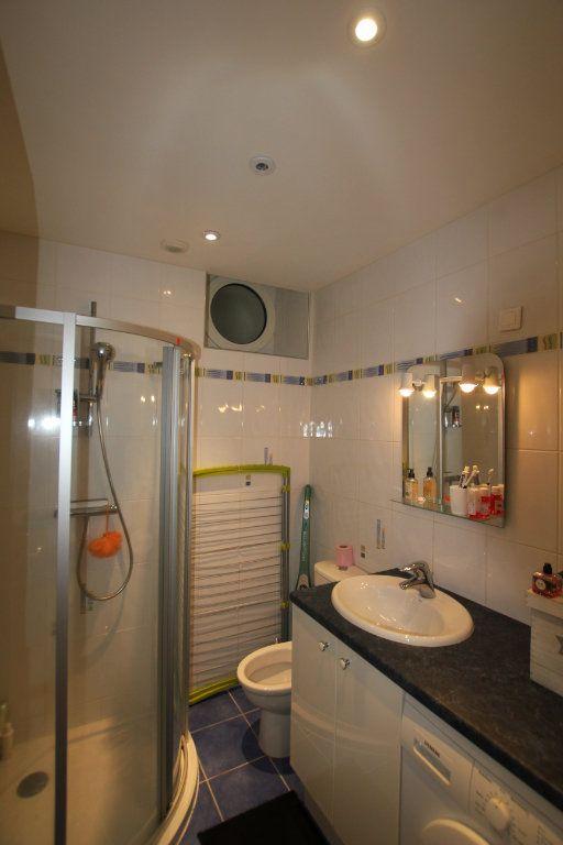 Appartement à louer 1 19.3m2 à Saint-Flour vignette-3