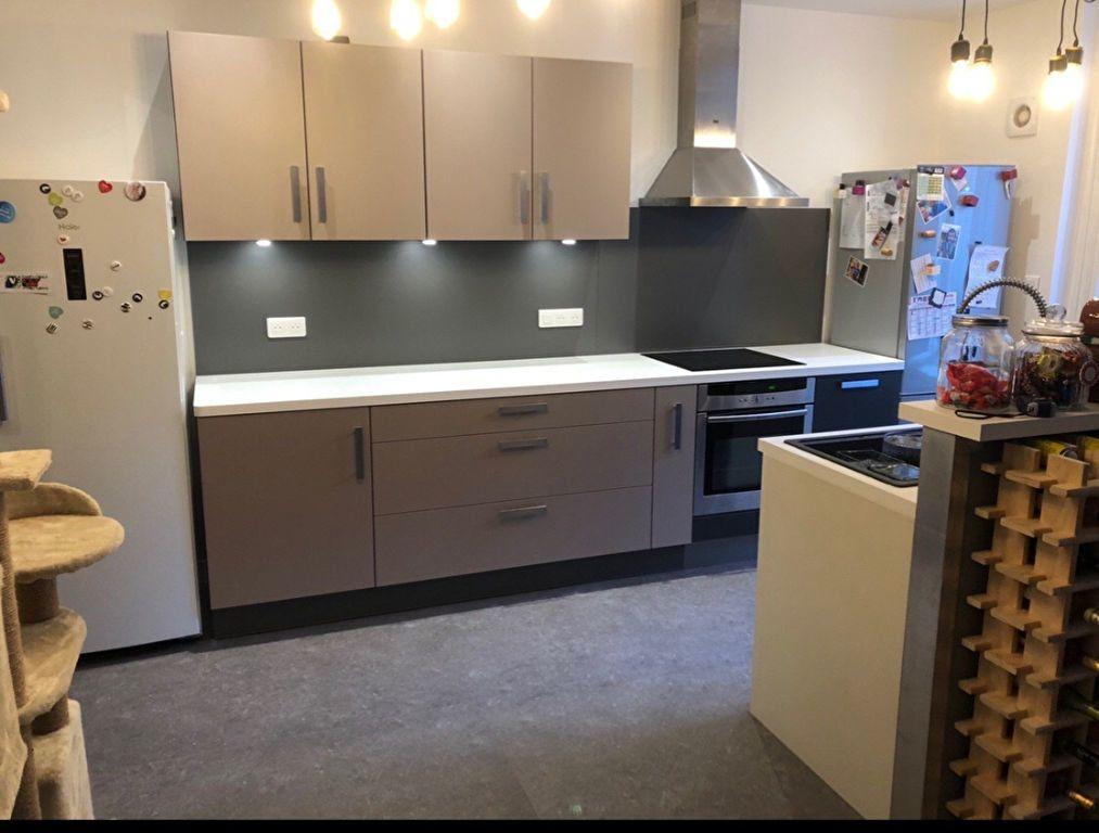 Appartement à vendre 3 82m2 à Saint-Flour vignette-2