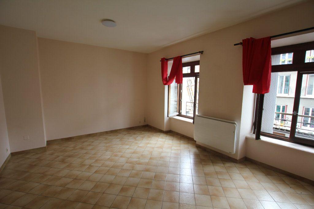 Appartement à louer 2 40m2 à Saint-Flour vignette-4
