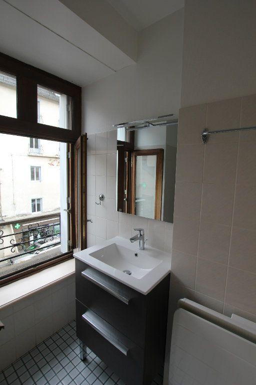 Appartement à louer 2 40m2 à Saint-Flour vignette-5