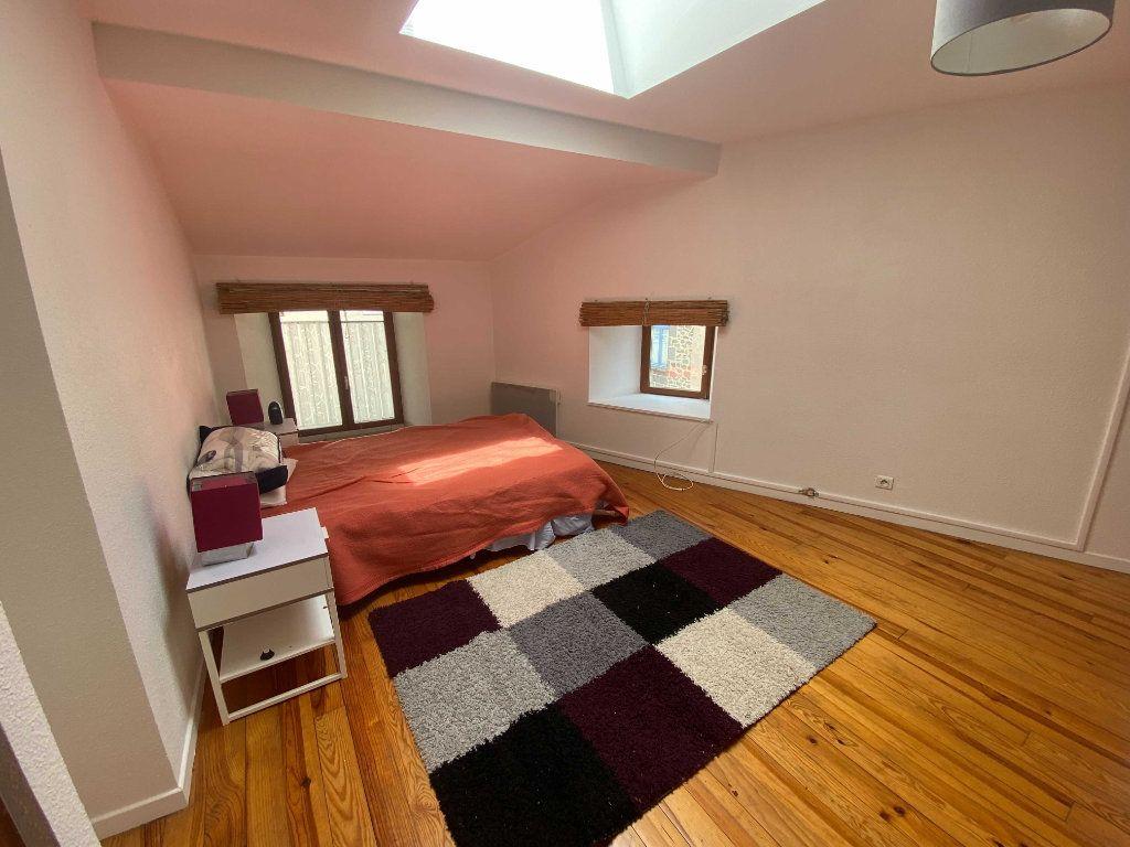 Appartement à louer 2 45m2 à Saint-Flour vignette-2