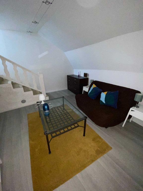 Appartement à louer 2 35m2 à Saint-Flour vignette-1