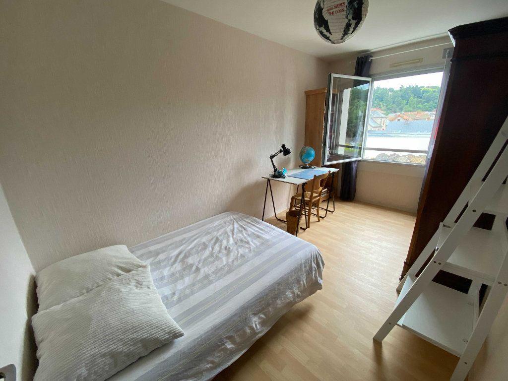Appartement à louer 5 99.81m2 à Saint-Flour vignette-5