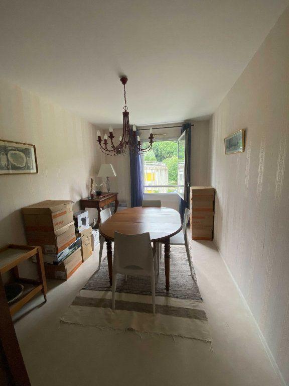 Appartement à louer 5 99.81m2 à Saint-Flour vignette-6