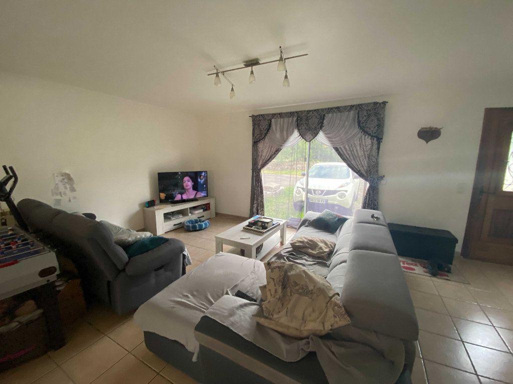 Appartement à louer 4 110.9m2 à Anglards-de-Saint-Flour vignette-2