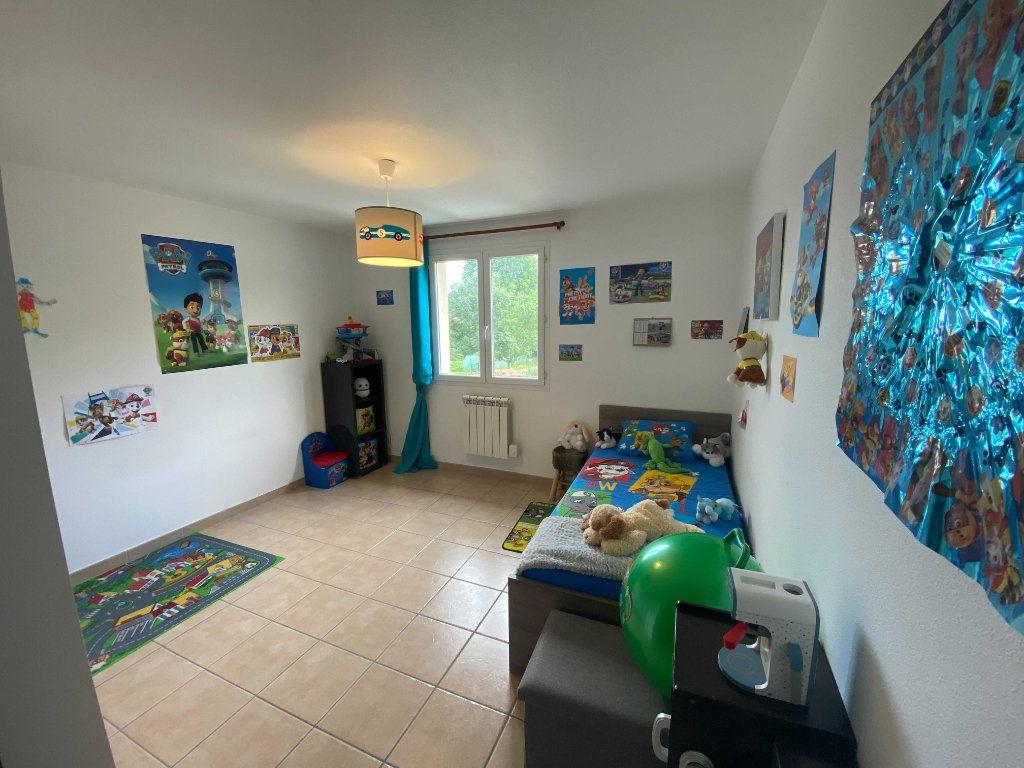 Appartement à louer 4 110.9m2 à Anglards-de-Saint-Flour vignette-5