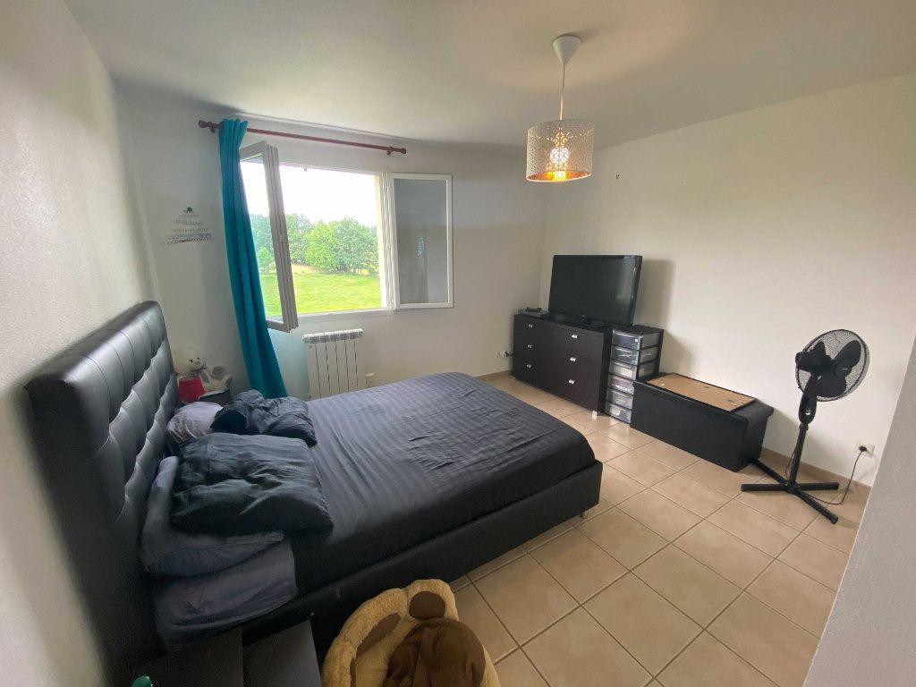 Appartement à louer 4 110.9m2 à Anglards-de-Saint-Flour vignette-6