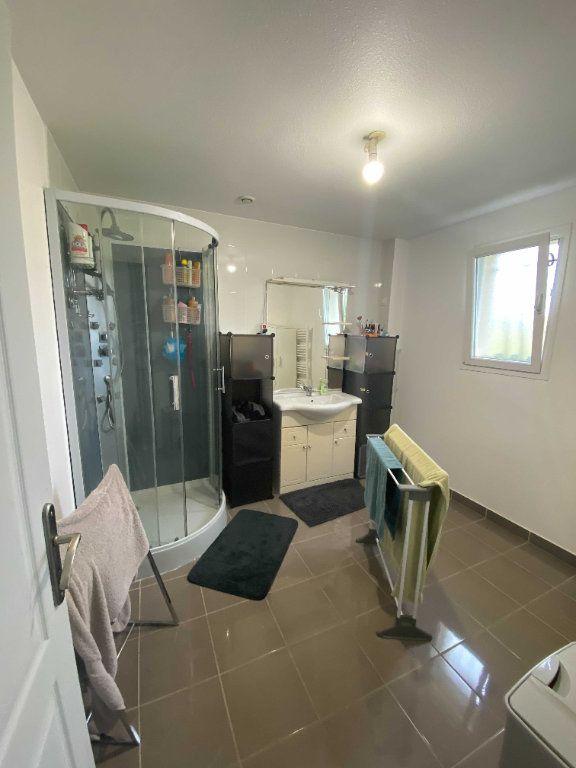 Appartement à louer 4 110.9m2 à Anglards-de-Saint-Flour vignette-7