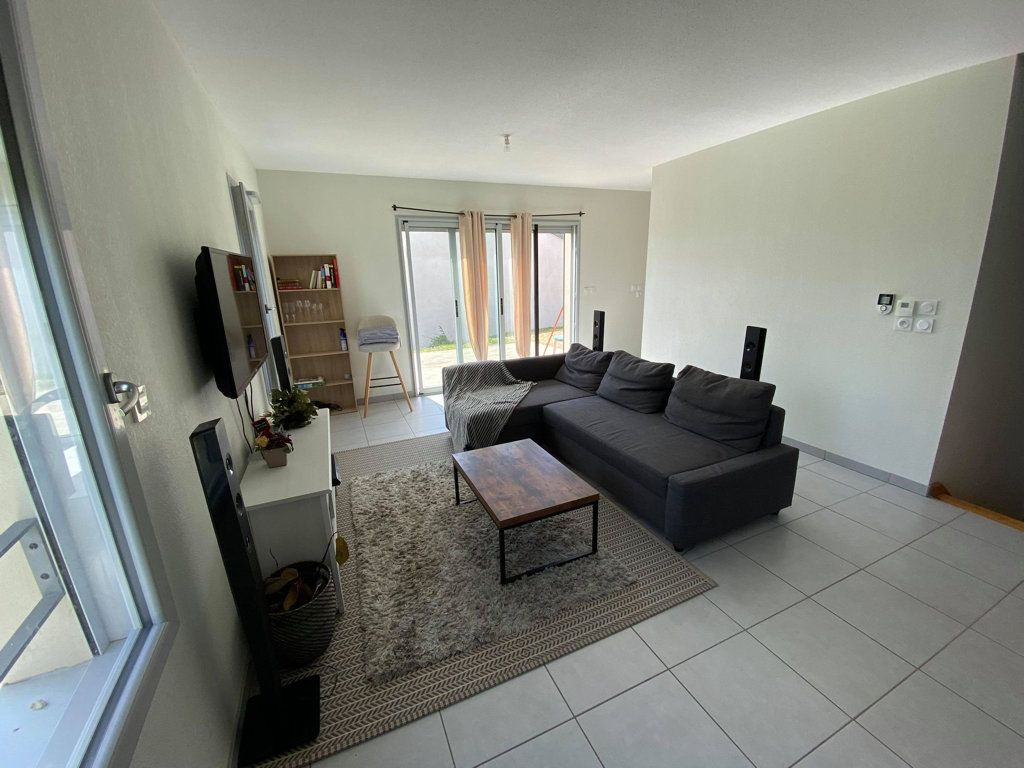 Maison à louer 4 93.9m2 à Saint-Flour vignette-1