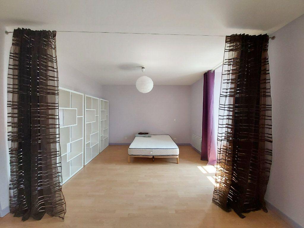 Appartement à louer 1 45m2 à Saint-Flour vignette-1