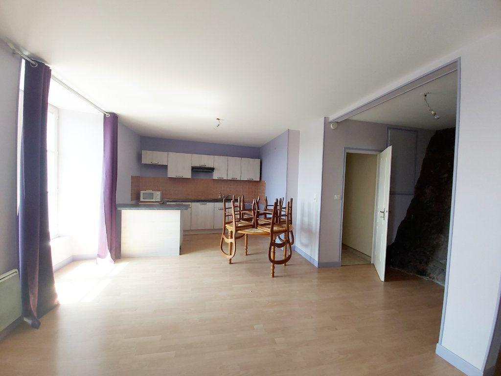 Appartement à louer 1 45m2 à Saint-Flour vignette-2