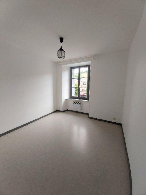 Appartement à louer 5 102m2 à Saint-Flour vignette-3