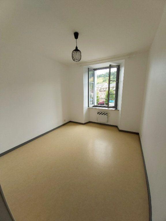 Appartement à louer 5 102m2 à Saint-Flour vignette-6