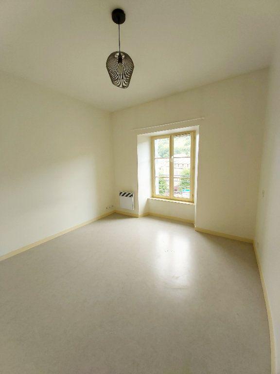Appartement à louer 2 50m2 à Saint-Flour vignette-4