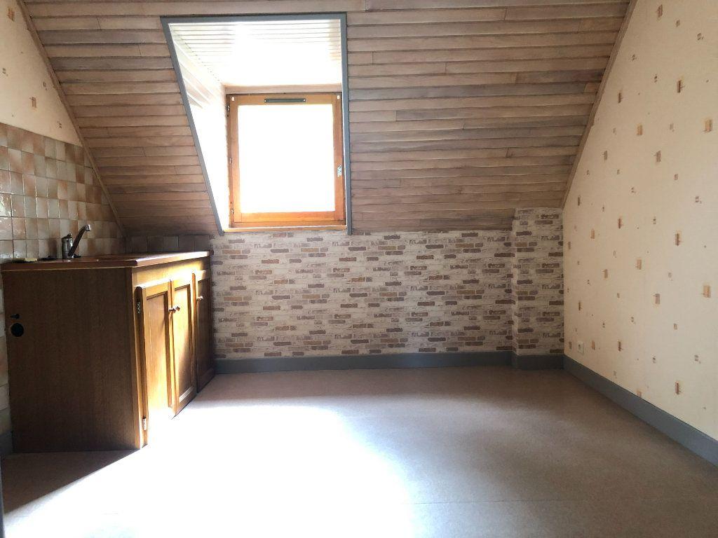Appartement à louer 2 32m2 à Pierrefort vignette-1