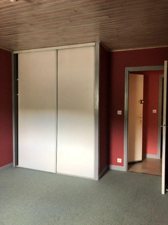 Appartement à louer 2 32m2 à Pierrefort vignette-3