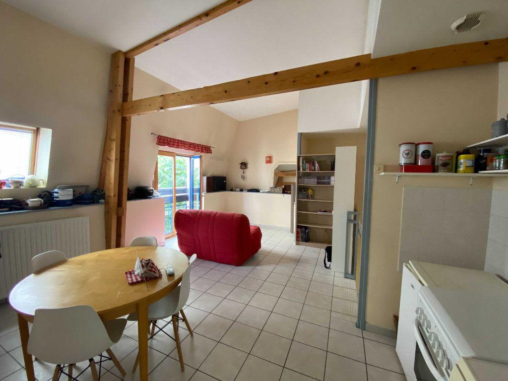 Appartement à louer 2 46.8m2 à Saint-Flour vignette-1