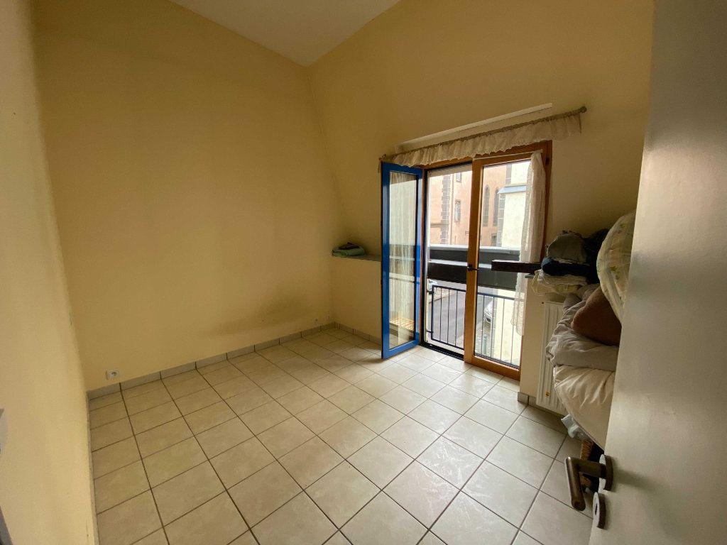 Appartement à louer 2 46.8m2 à Saint-Flour vignette-4
