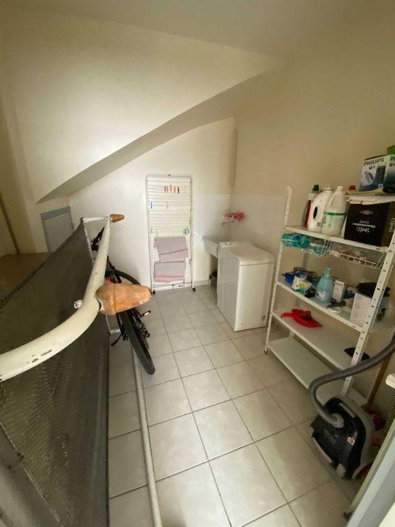 Appartement à louer 2 46.8m2 à Saint-Flour vignette-6