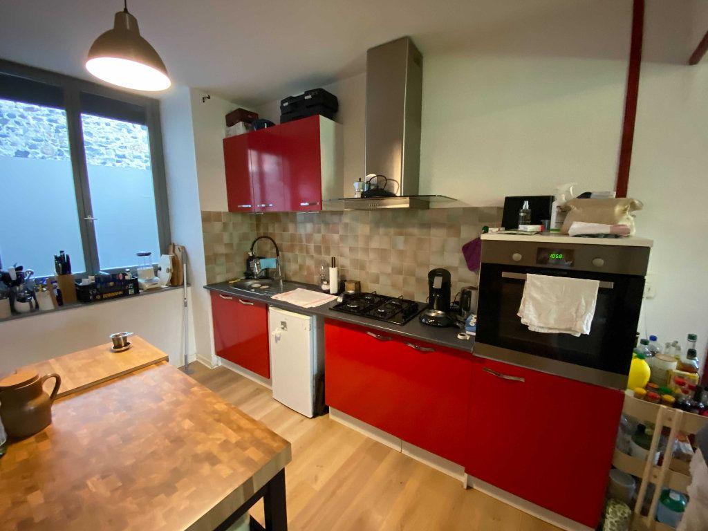 Appartement à louer 3 80m2 à Saint-Flour vignette-2