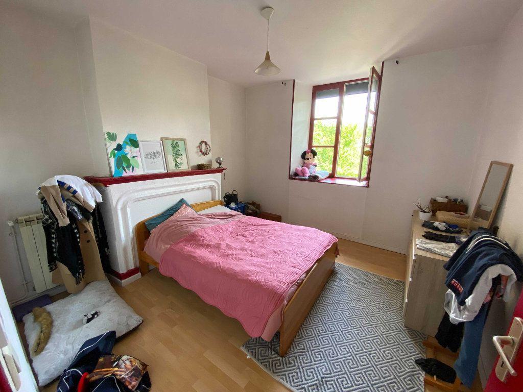 Appartement à louer 3 80m2 à Saint-Flour vignette-4