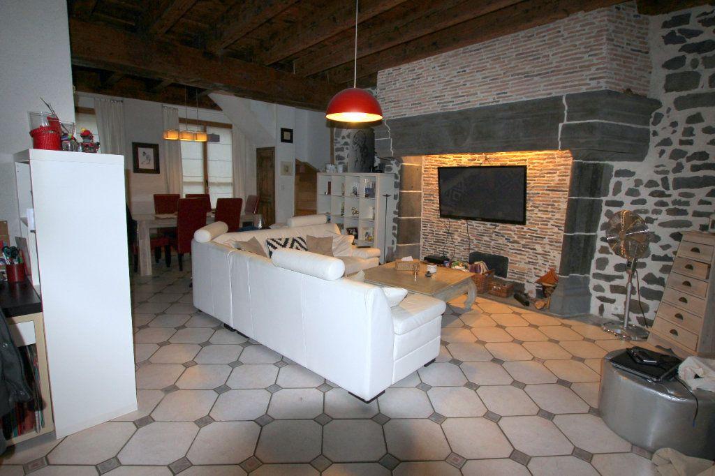 Appartement à louer 3 98m2 à Saint-Flour vignette-1