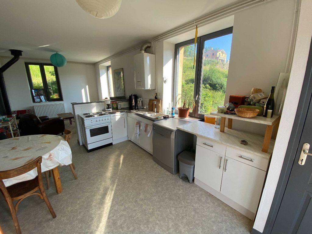 Appartement à louer 3 72m2 à Saint-Flour vignette-2