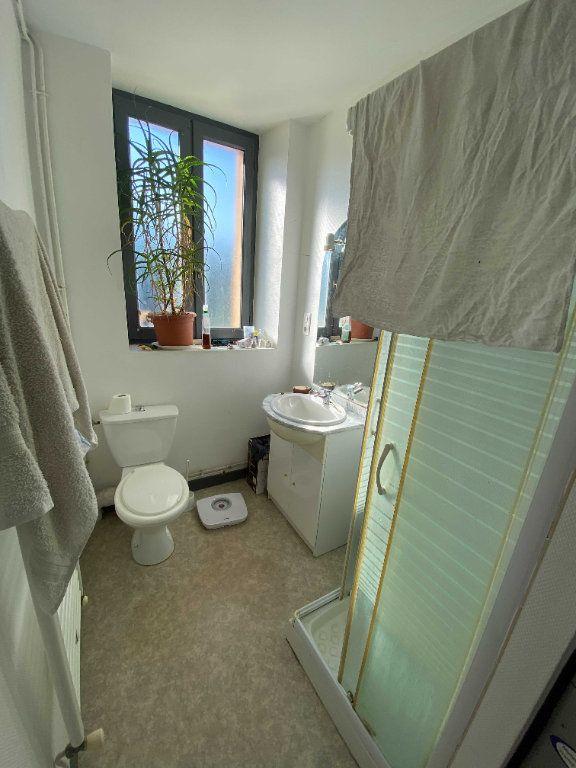 Appartement à louer 3 72m2 à Saint-Flour vignette-6