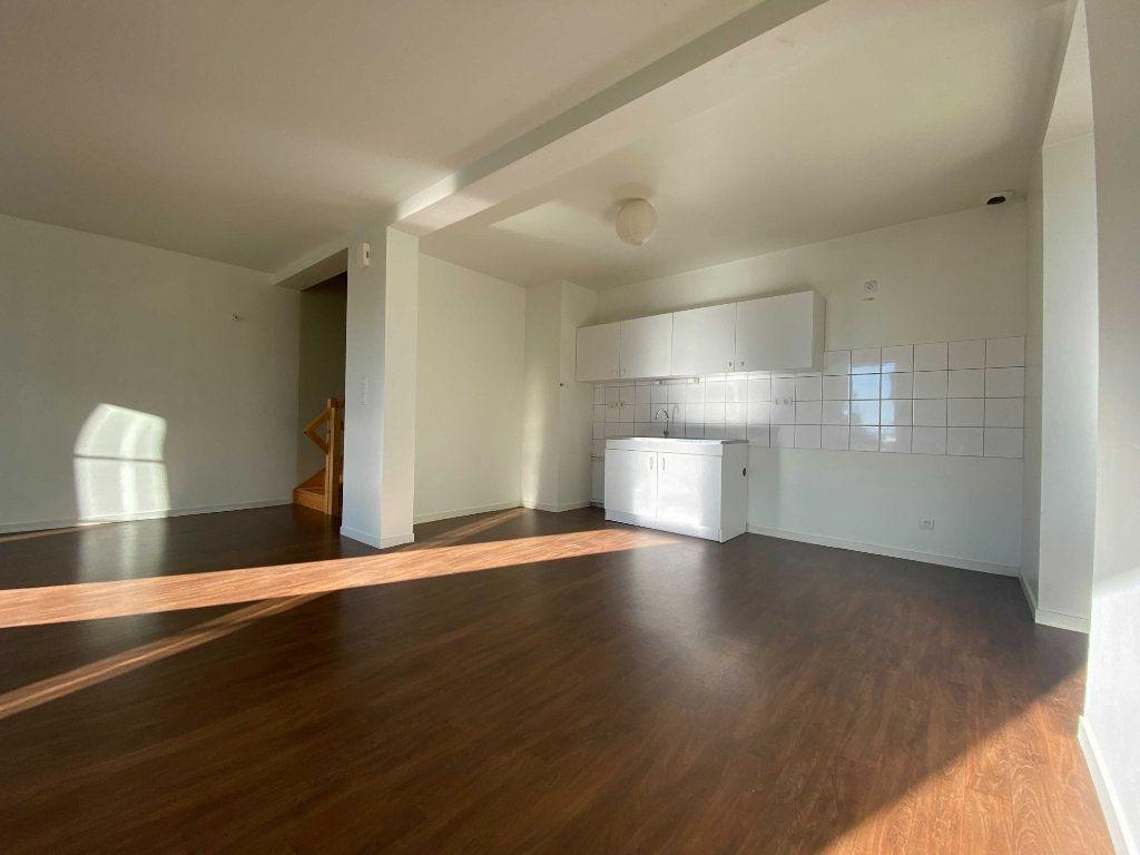 Appartement à louer 3 70m2 à Valuéjols vignette-2