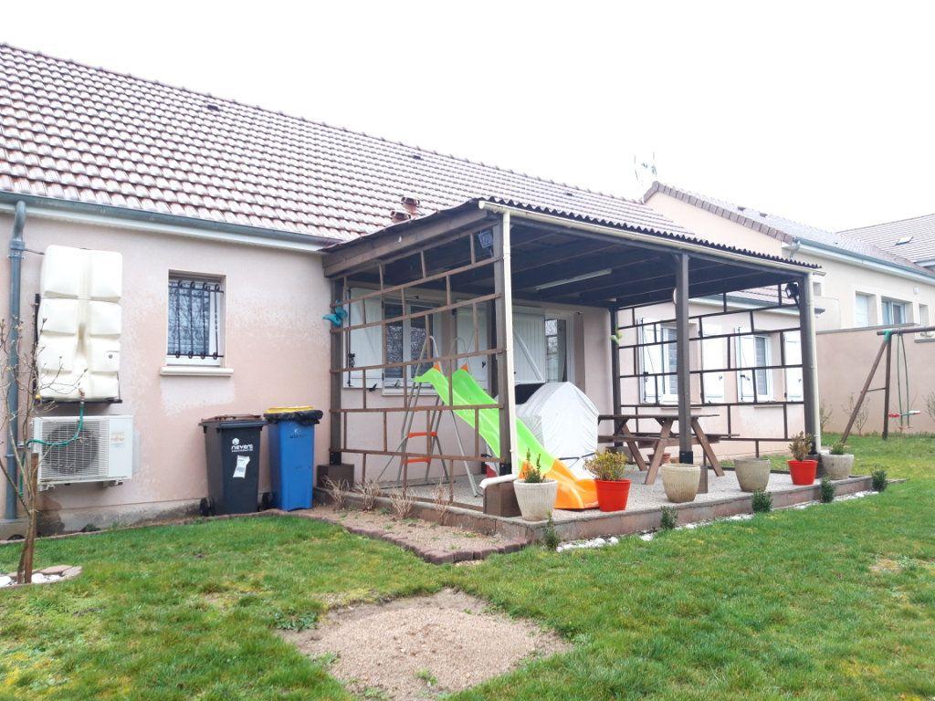 Maison à louer 4 89m2 à Coulanges-lès-Nevers vignette-4