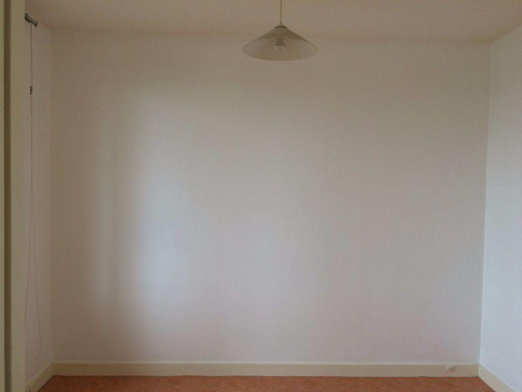 Appartement à louer 2 45.73m2 à Nevers vignette-8