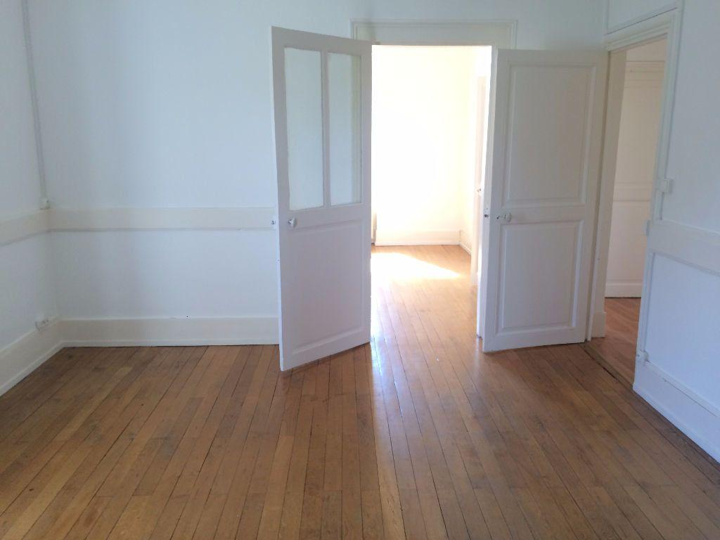 Appartement à louer 4 72m2 à Coulanges-lès-Nevers vignette-2