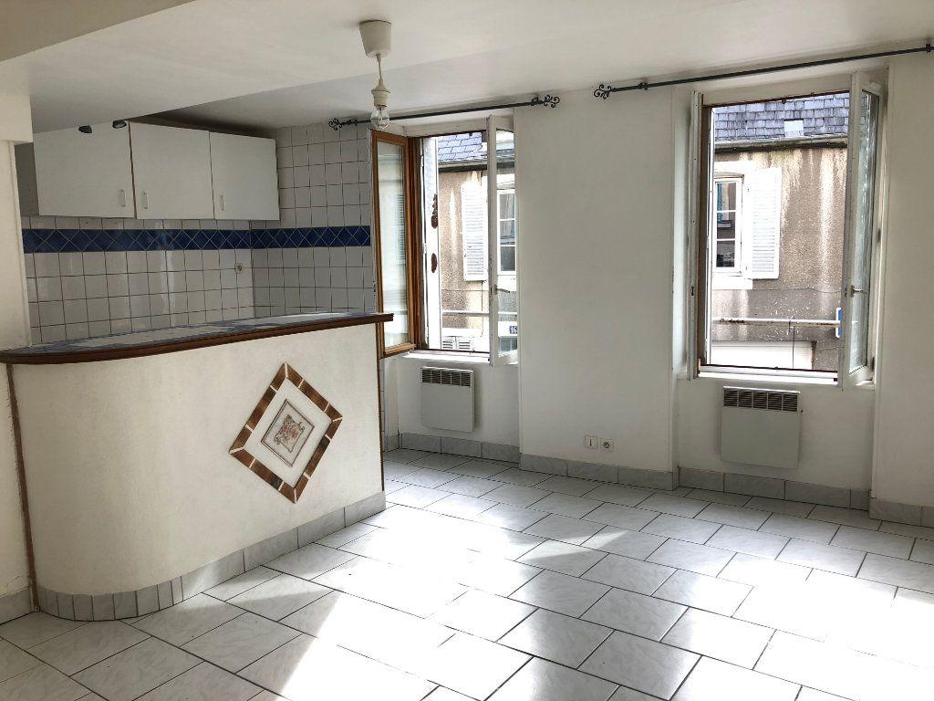 Appartement à louer 2 42m2 à Nevers vignette-1