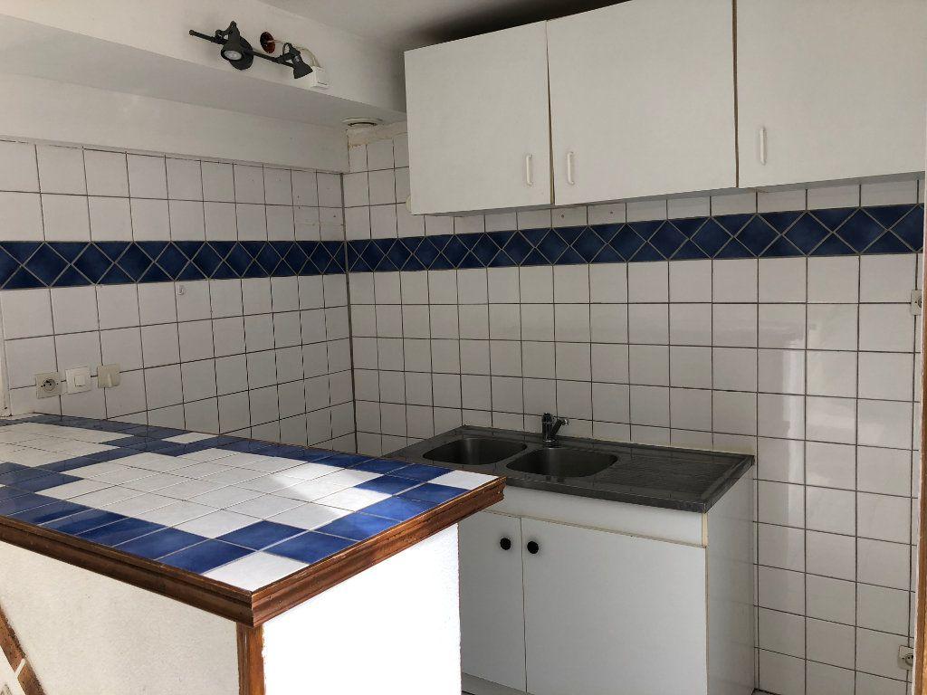 Appartement à louer 2 42m2 à Nevers vignette-2