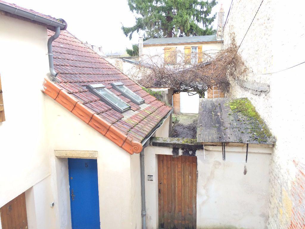 Appartement à louer 3 56m2 à Nevers vignette-1