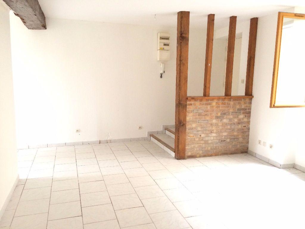 Appartement à louer 3 56m2 à Nevers vignette-2