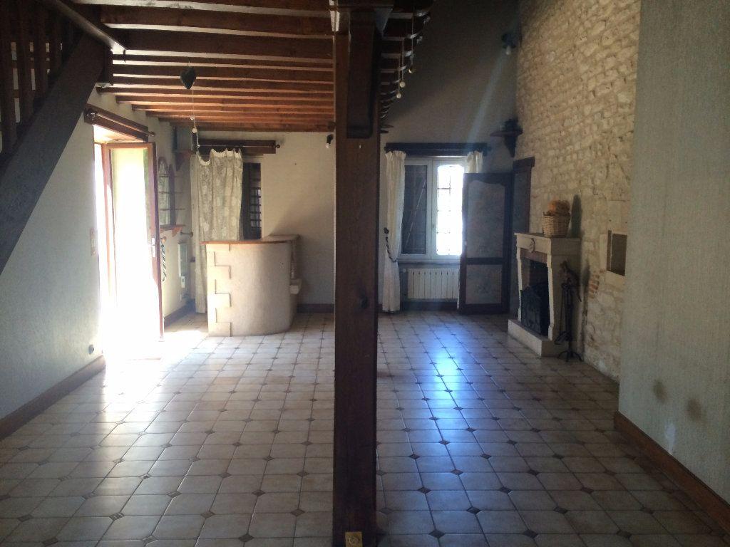 Maison à louer 4 130.8m2 à Nevers vignette-2
