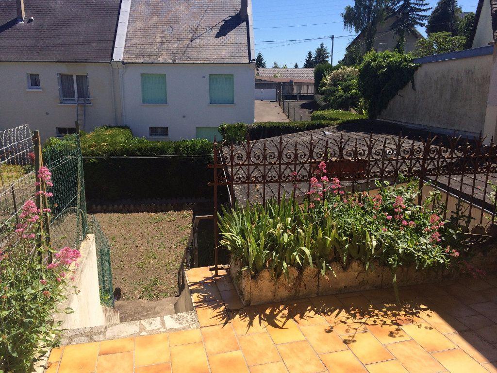 Maison à louer 4 130.8m2 à Nevers vignette-3