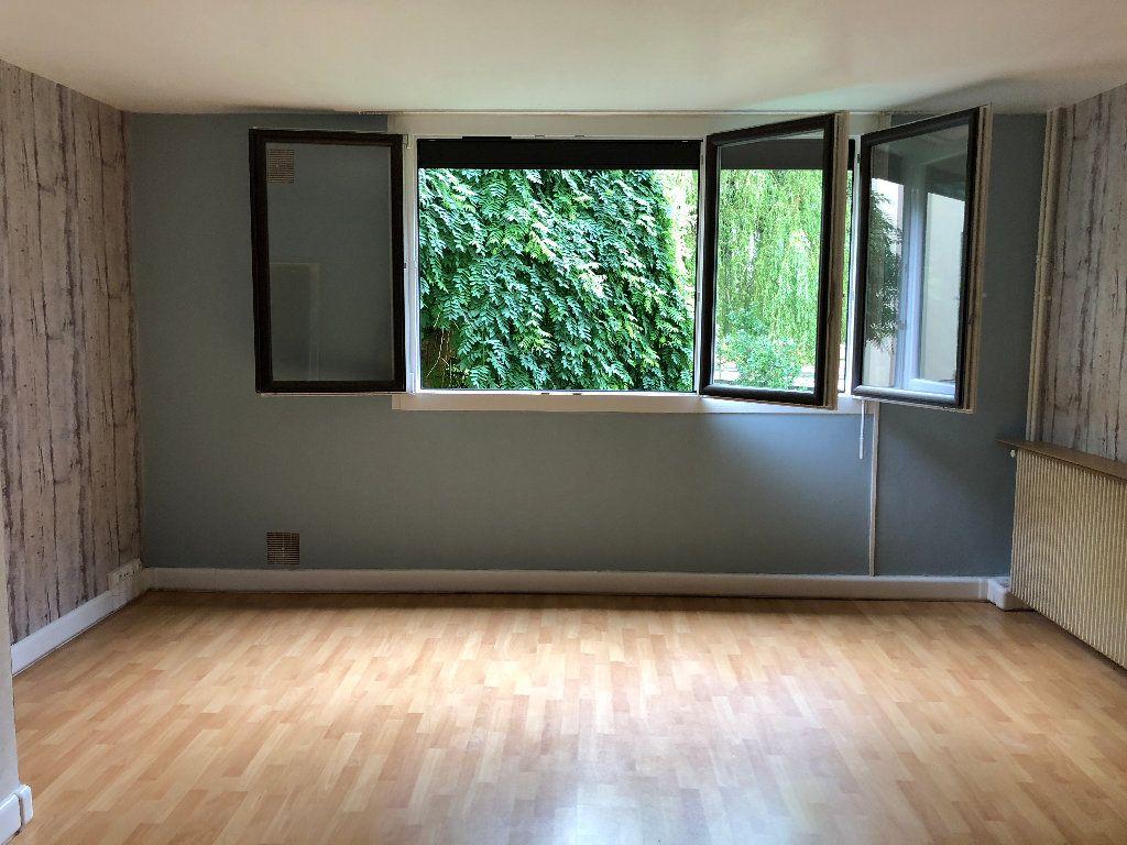 Appartement à louer 1 31m2 à Nevers vignette-3