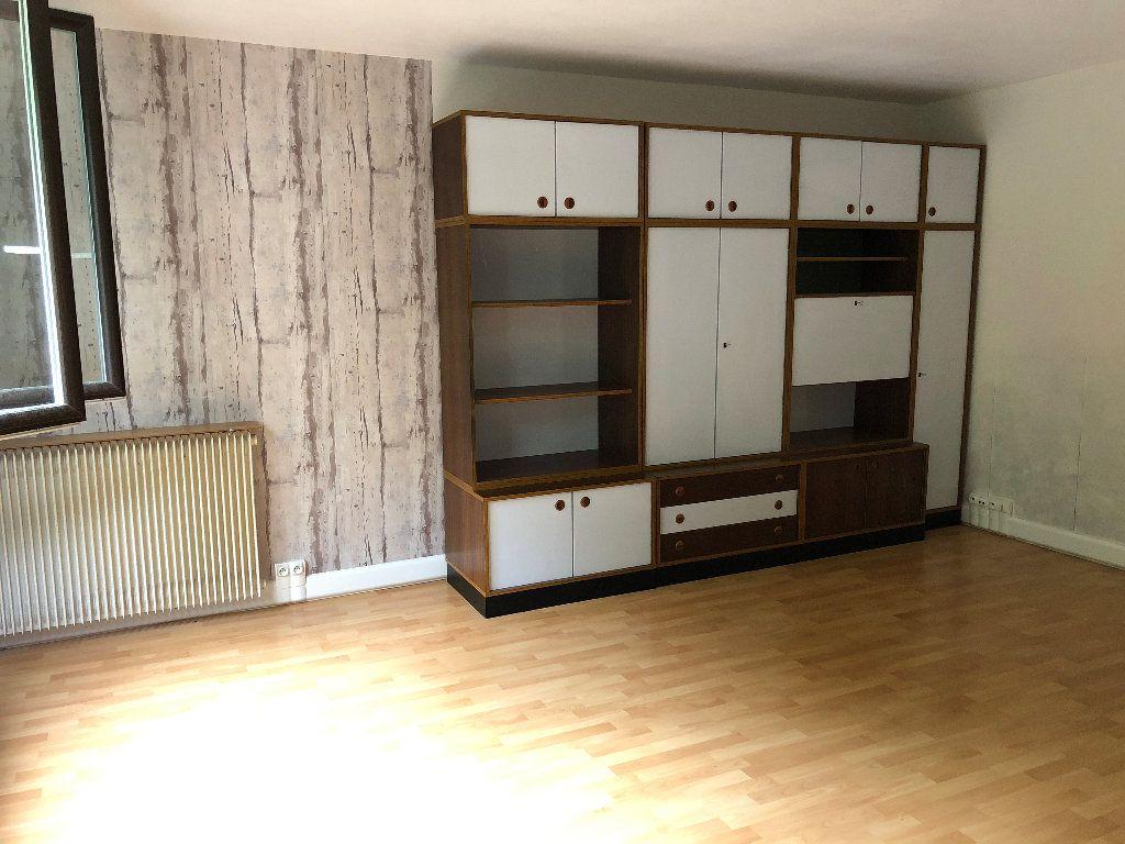 Appartement à louer 1 31m2 à Nevers vignette-5